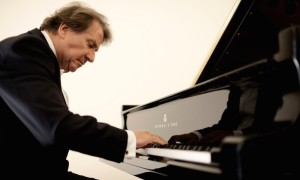 Rudolf Buchbinder Photo: Marco Borggreve